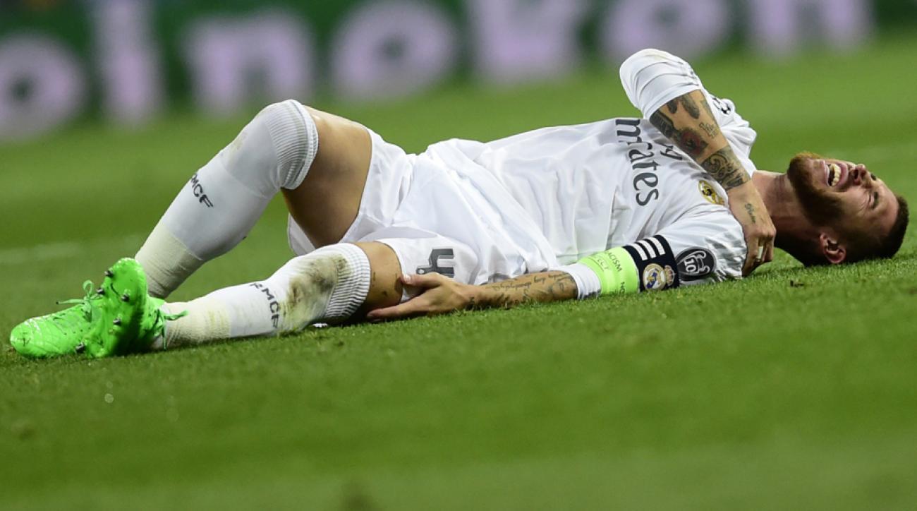 Real Madrid's Sergio Ramos dislocates his shoulder