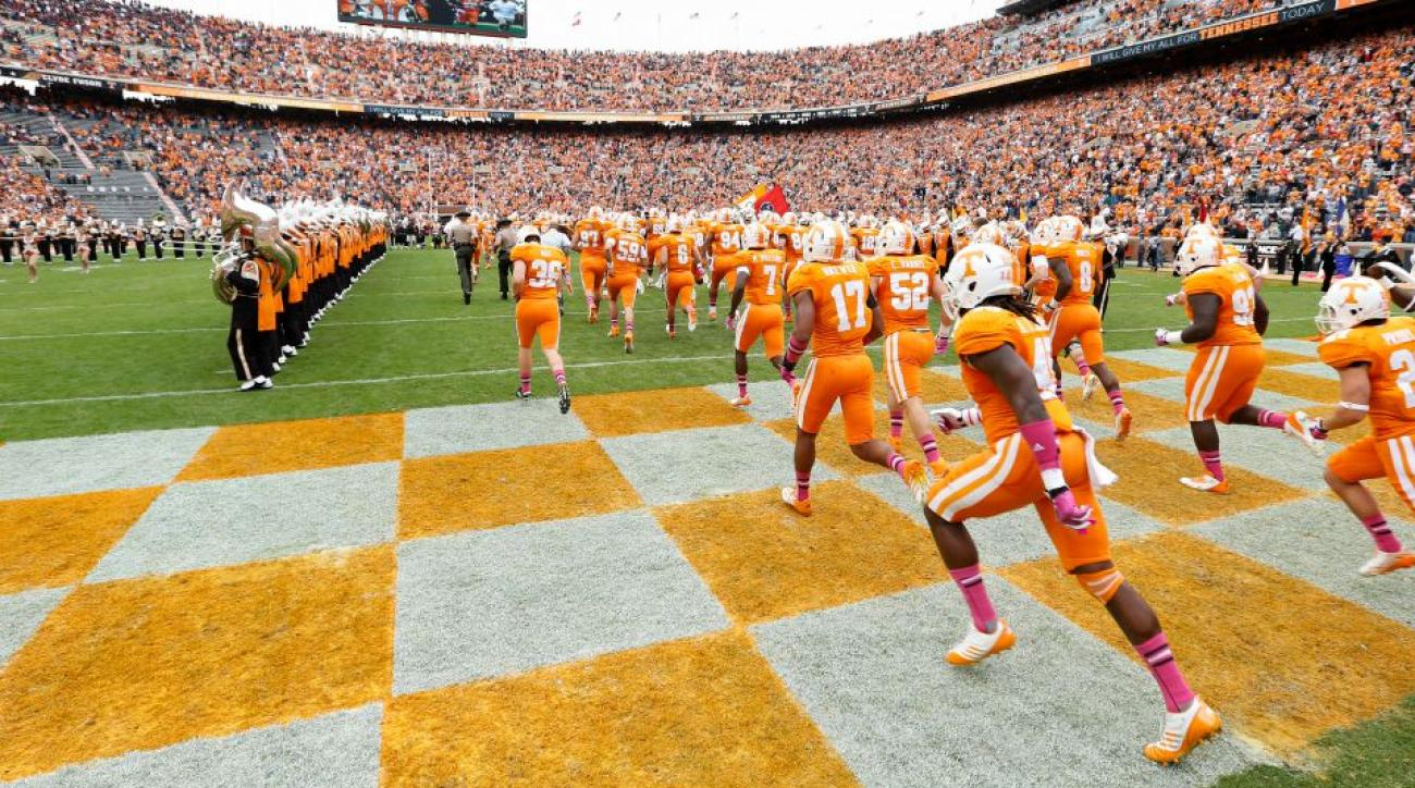 Tennessee, Clemson post entrance videos using 360 degree technology