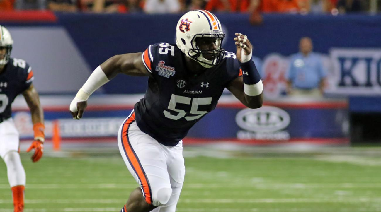 auburn carl lawson hip injury out lsu