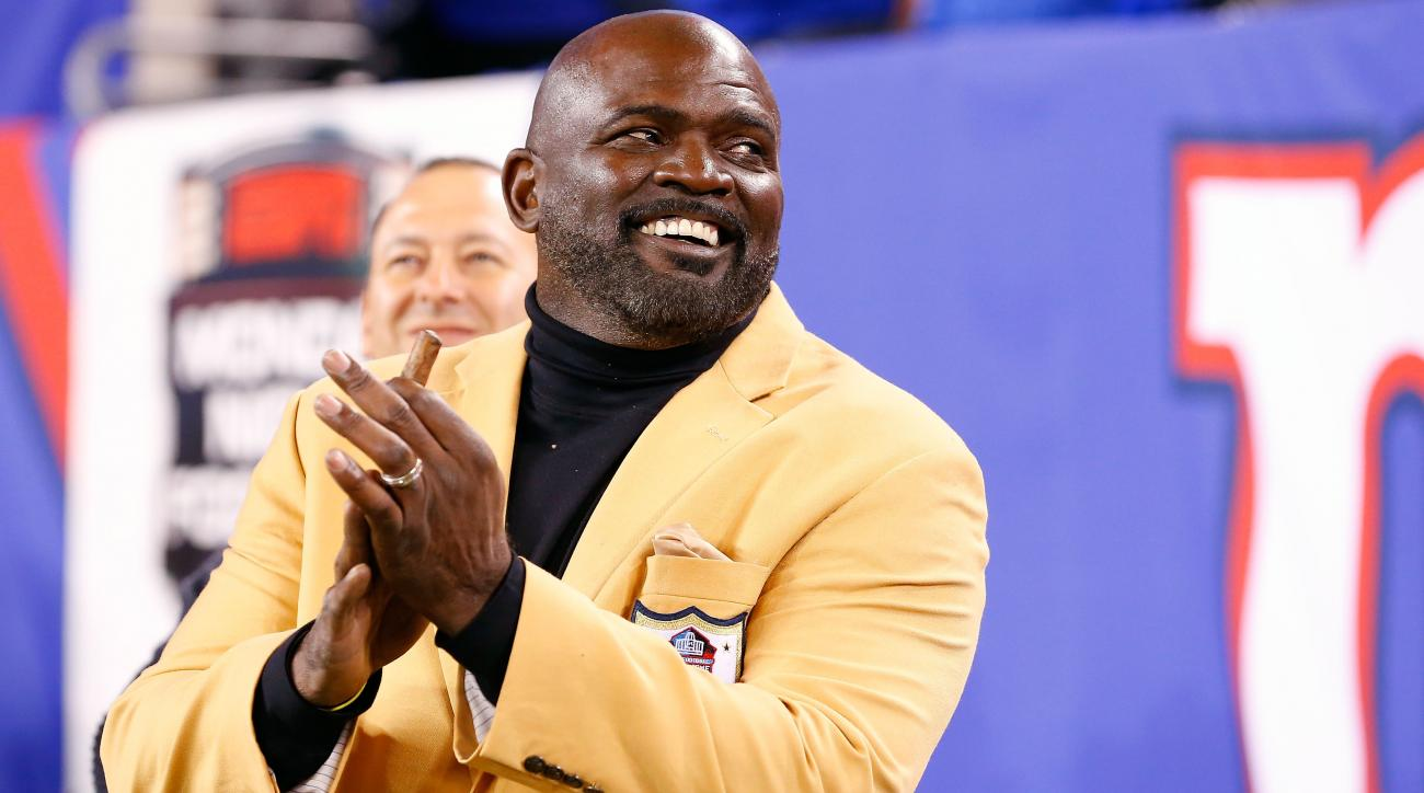 lawrence taylor new york giants jason pierre paul index finger important