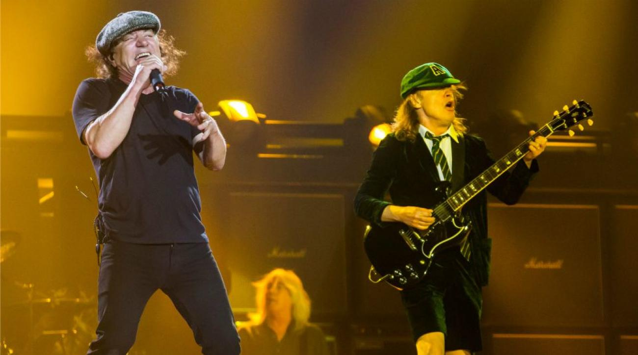 Cubs unhappy with AC/DC over wrigley field conditions