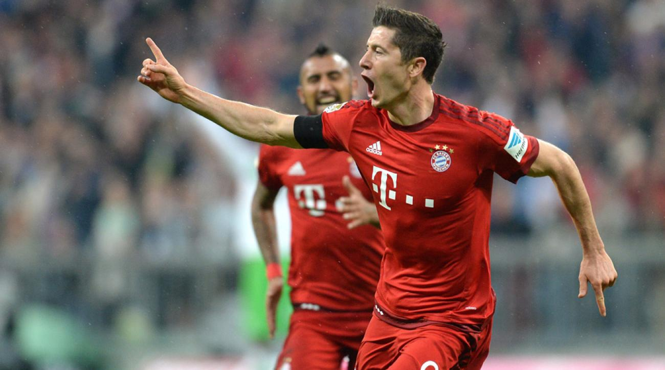 Robert Lewandowski scores five goals in nine minutes for Bayern Munich