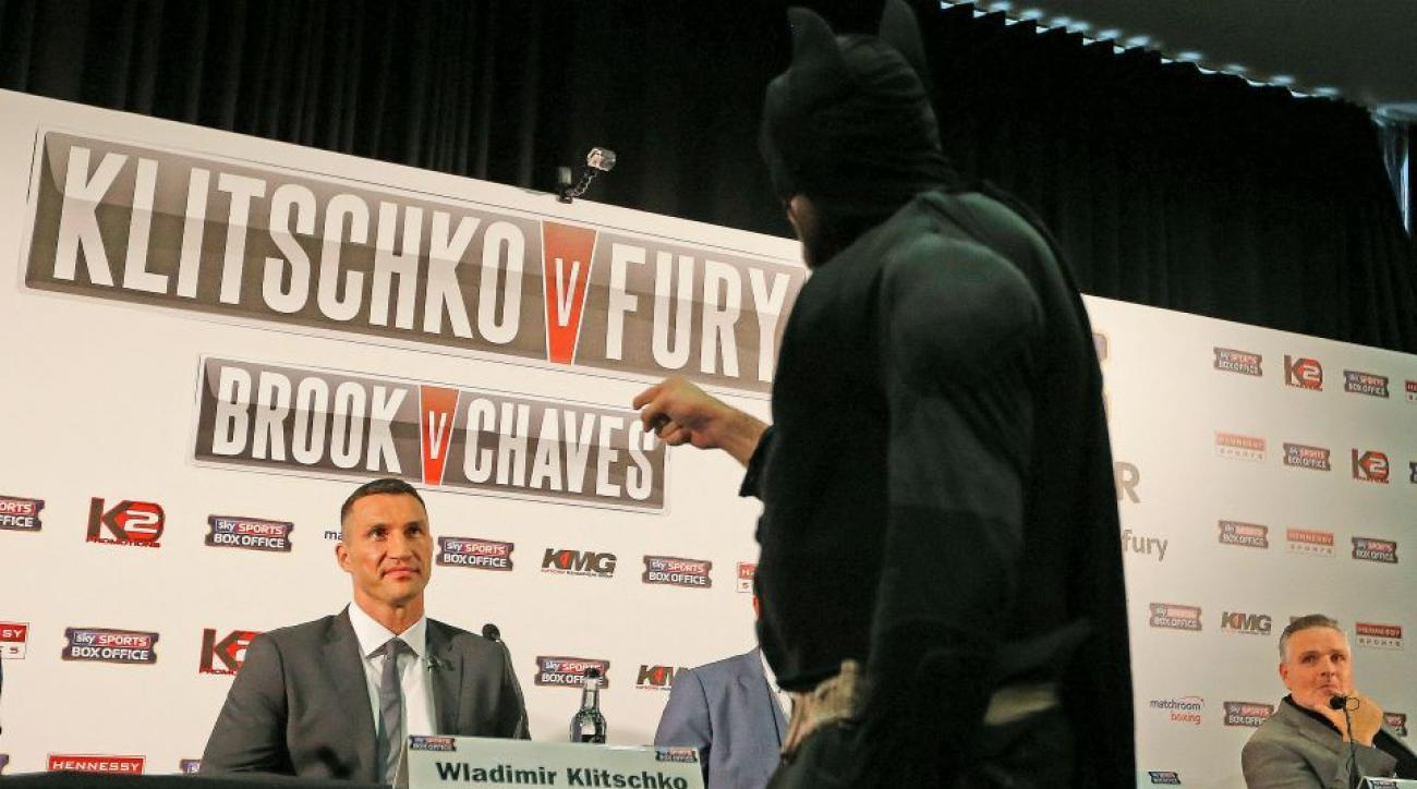 Wladimir Klitschko opponent Tyson Fury dressed as Batman, fought the Joker