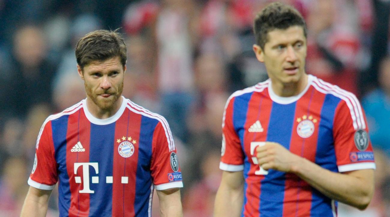 Bayern Munich's Xabi Alonso, Robert Lewandowski