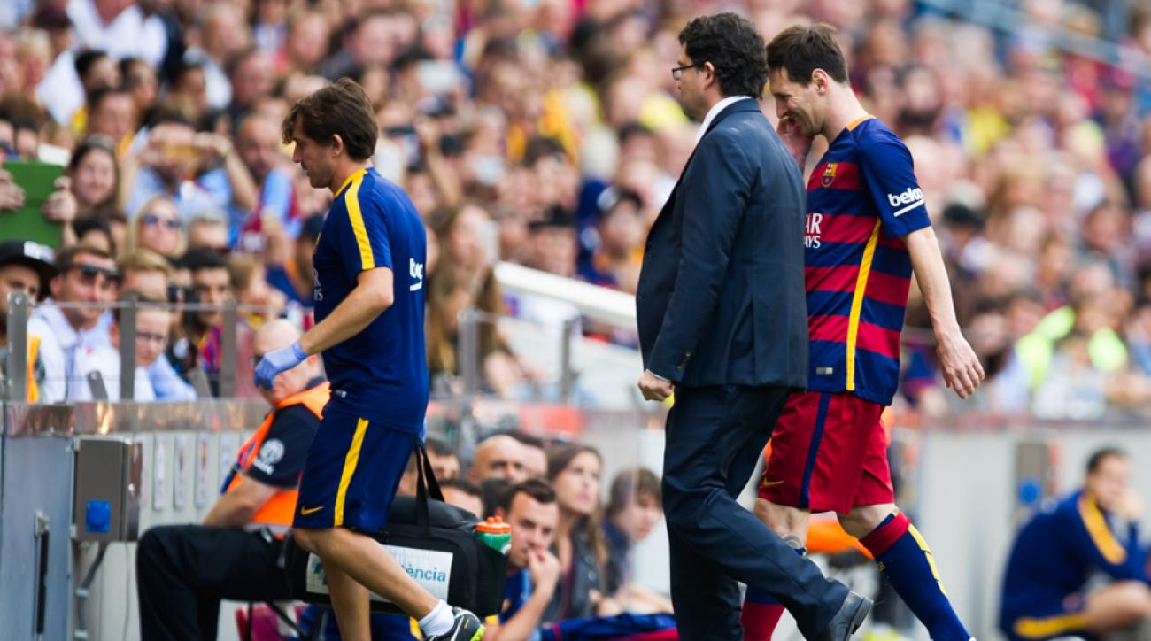 lionel messi knee injury fc barcelona