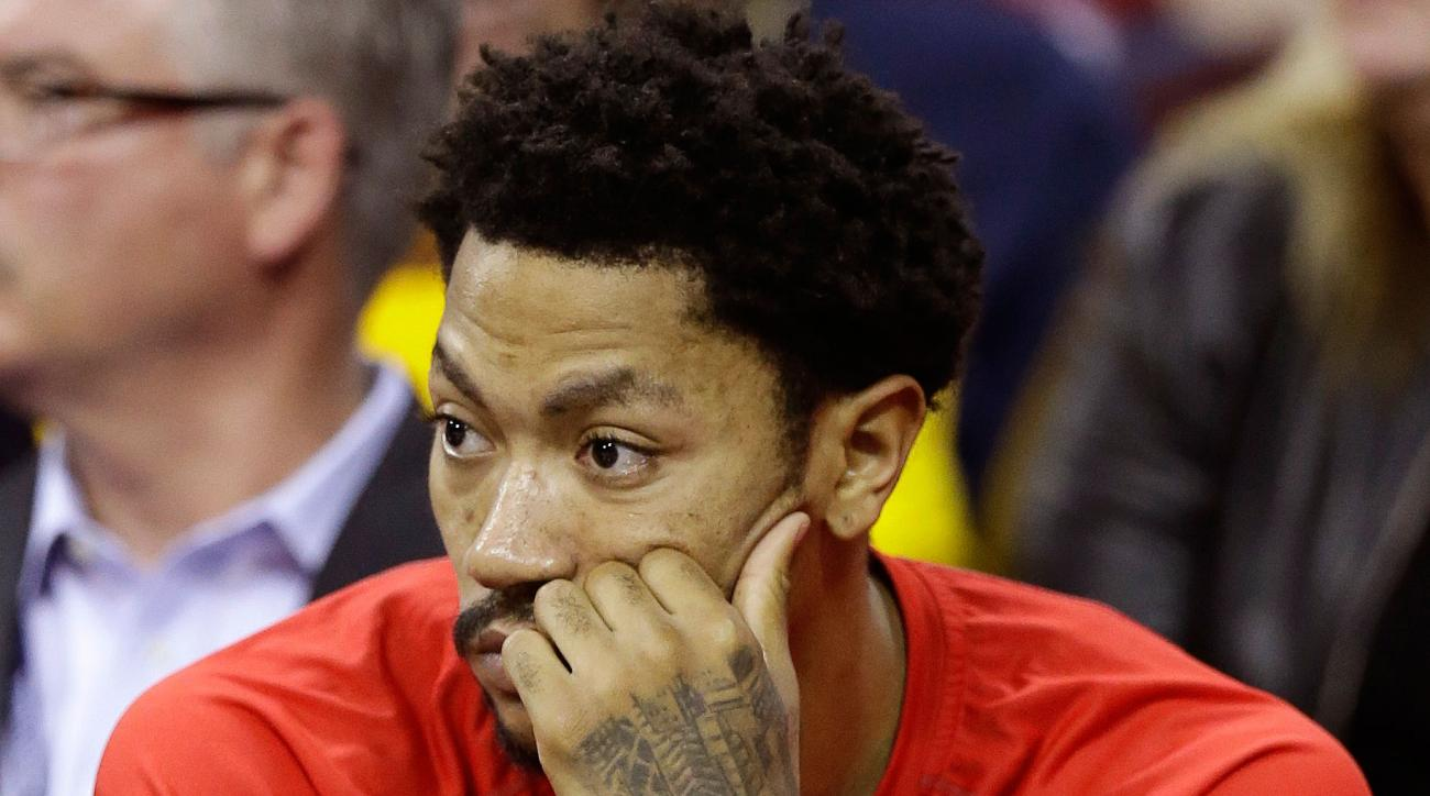 Derrick Rose  Bulls expect PG back in two weeks after face injury ... 4d6763f57