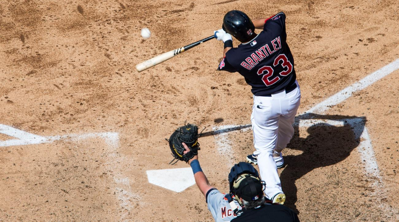 cleveland-indians-michael-brantley-shoulder-injury-out-for-season