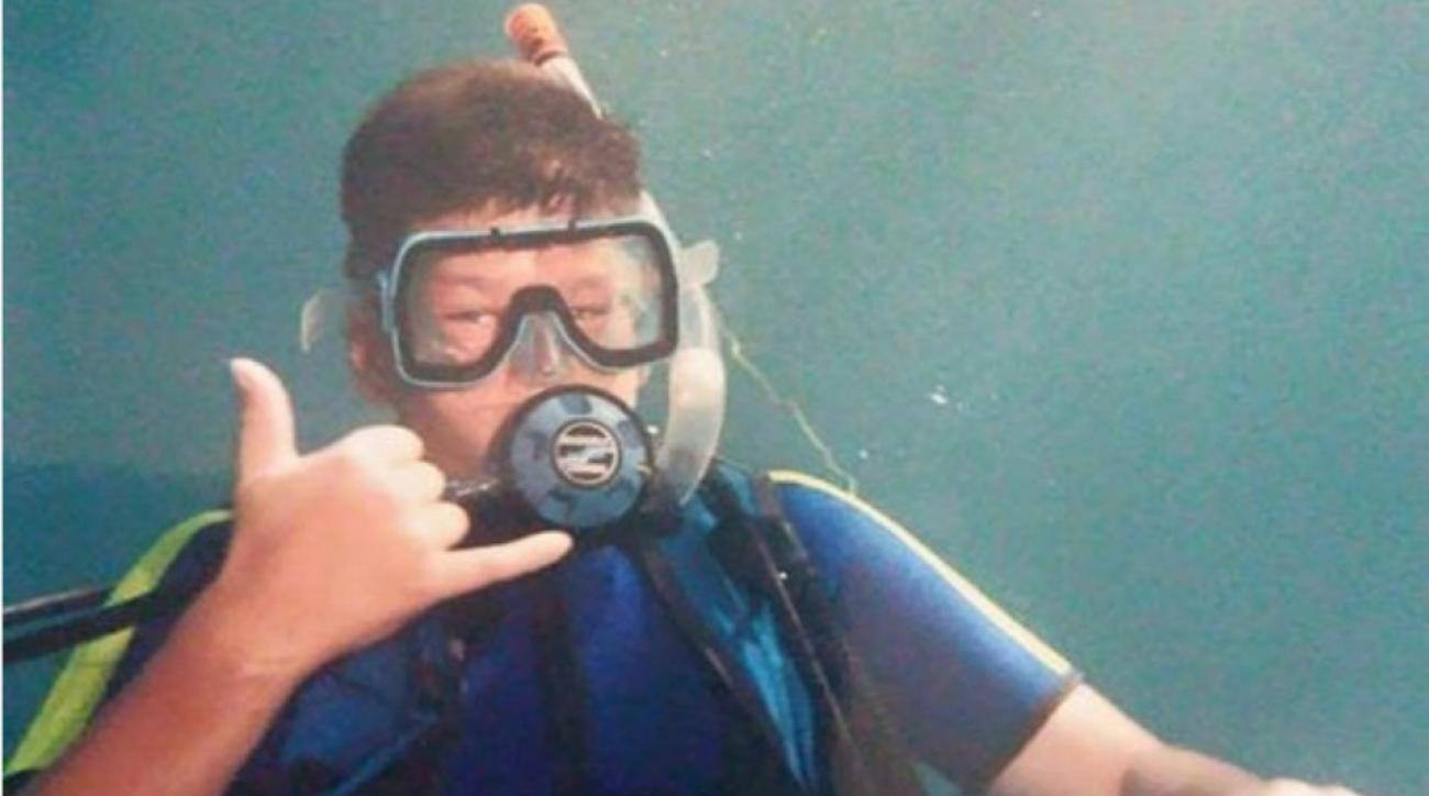 New England Patriots' Tom Brady posts Facebook scuba photo