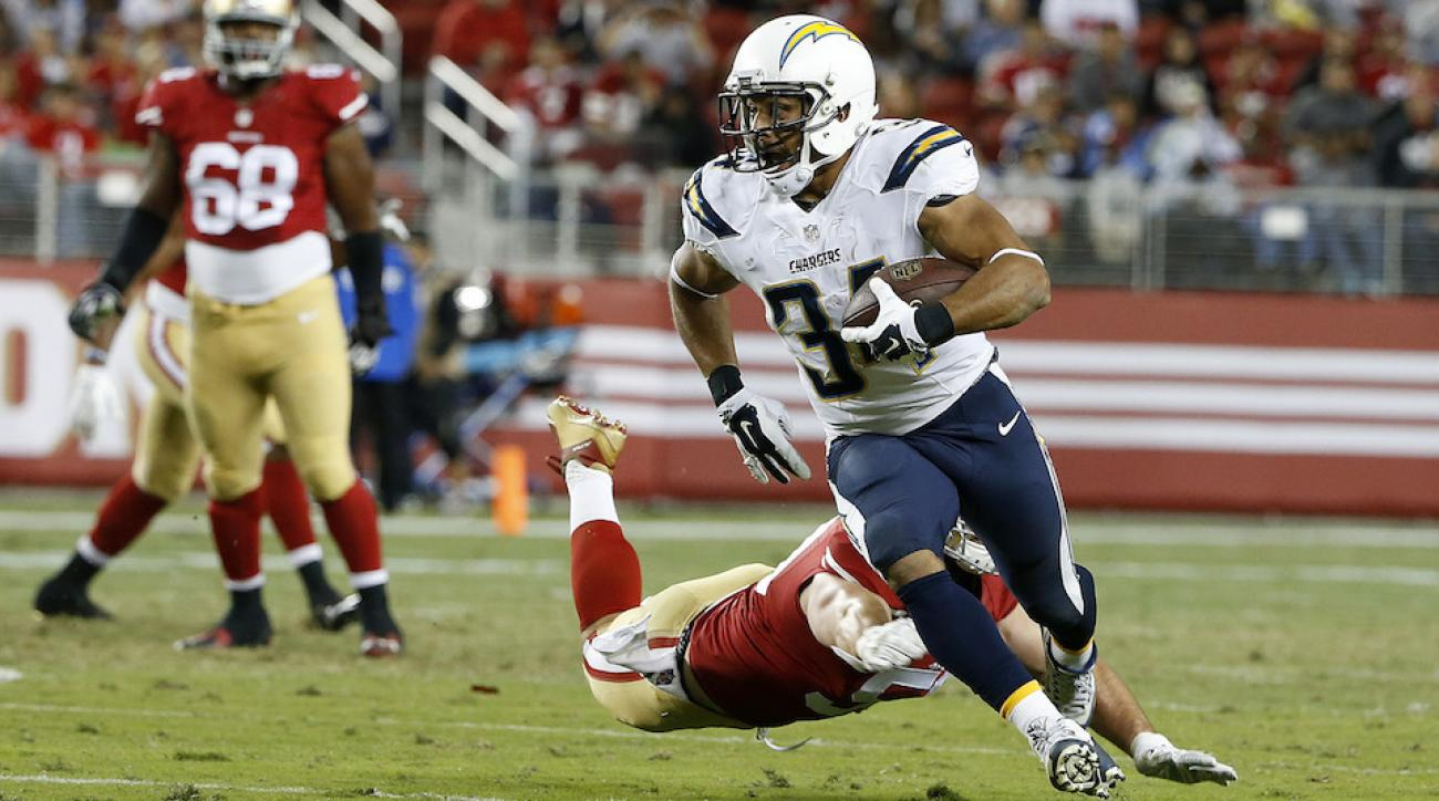 San Diego Chargers Michael Ola Signs Donald Brown