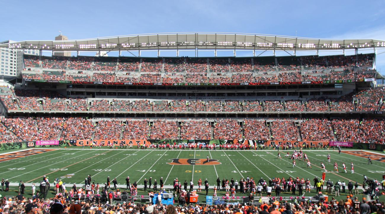 Fans dies at Bengals-Chiefs game after collapsing in bathroom