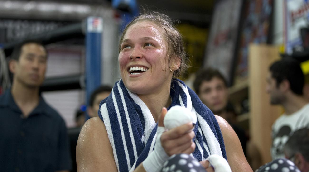 ronda-rousey-sportscenter-anchor-first-female-athlete