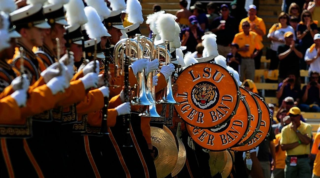 LSU band leanring South Carolina Fight Song