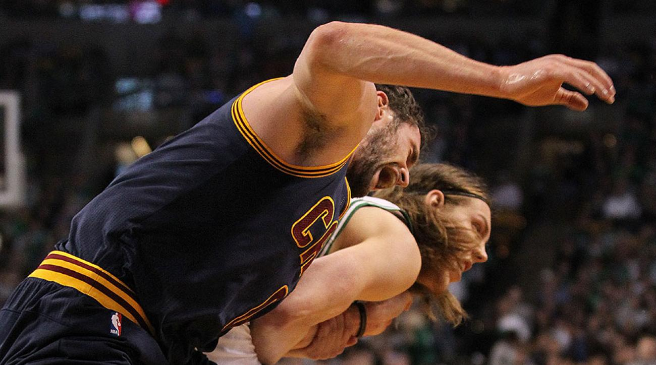 Kevin Love shoulder injury update
