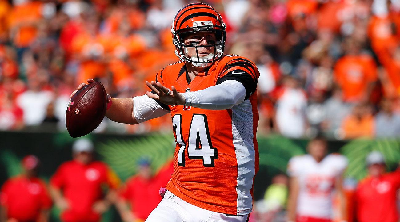Andy Dalton throws for Cincinnati Bengals