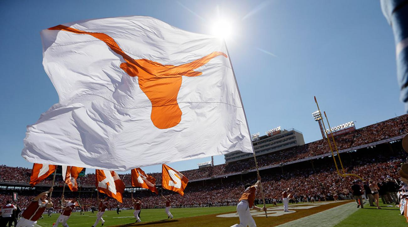 Texas Longhorns upset Oklahoma Soooner in Red River Rivalry