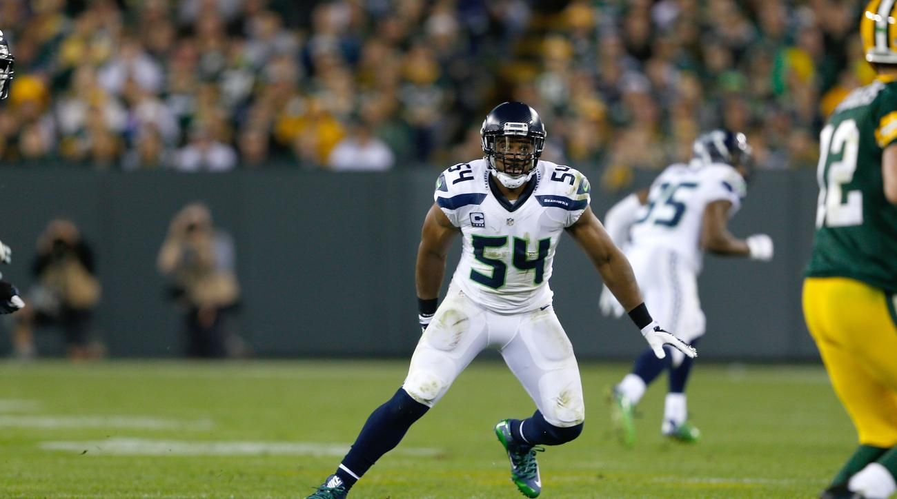 bobby-wagner-seattle-seahawks-pectoral-strain-injury-out