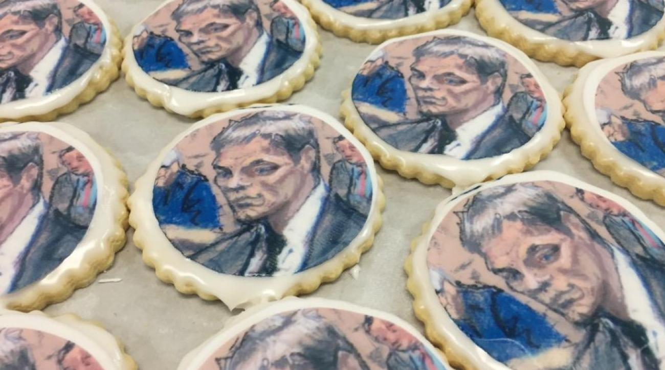 New England Patriots' Tom Brady's courtroom sketch appears on Indianapolis cookies