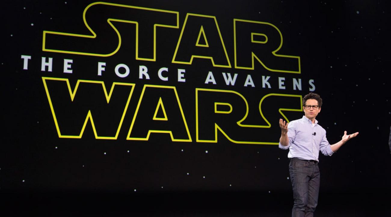 new star wars force awakens trailer monday night football