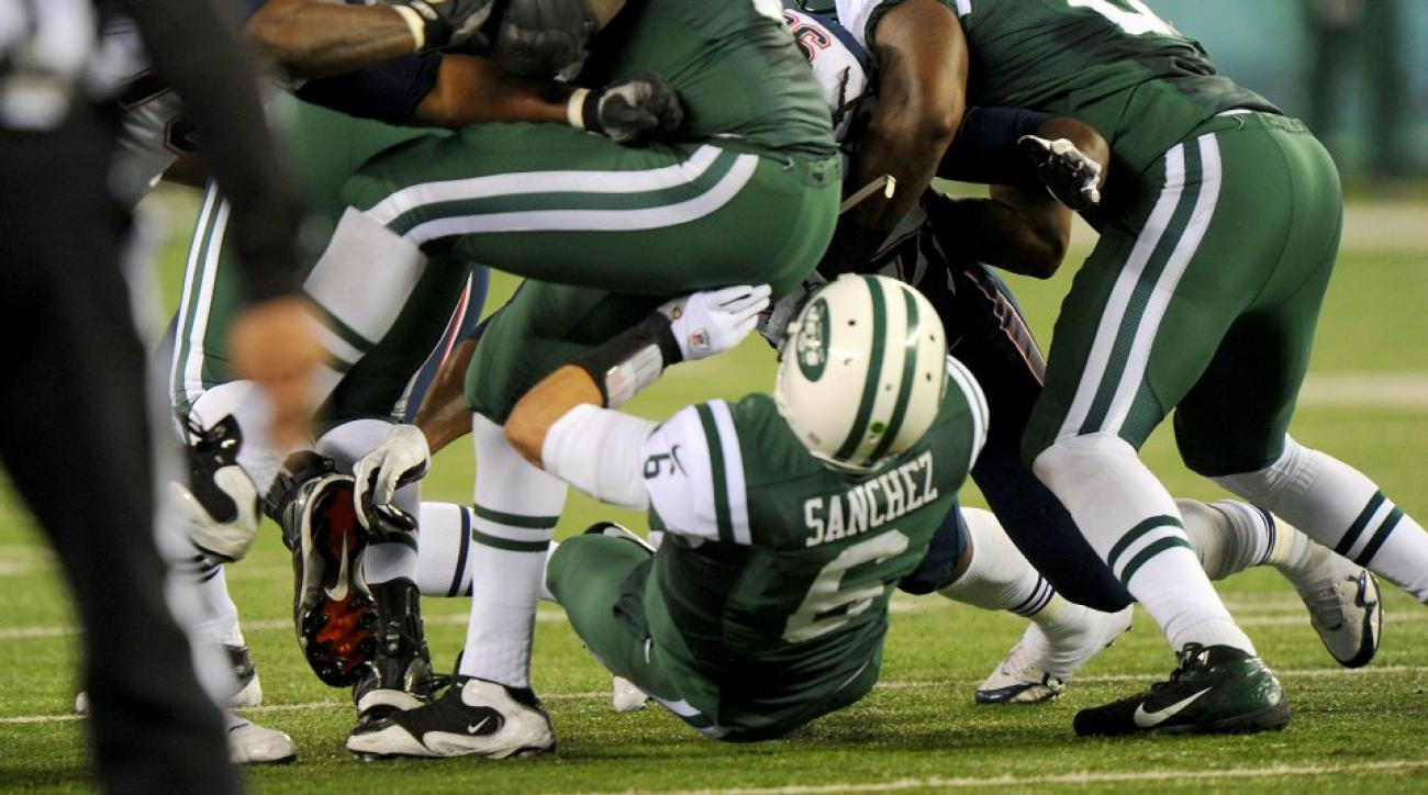 Patriots troll Jets with Butt Fumble picture