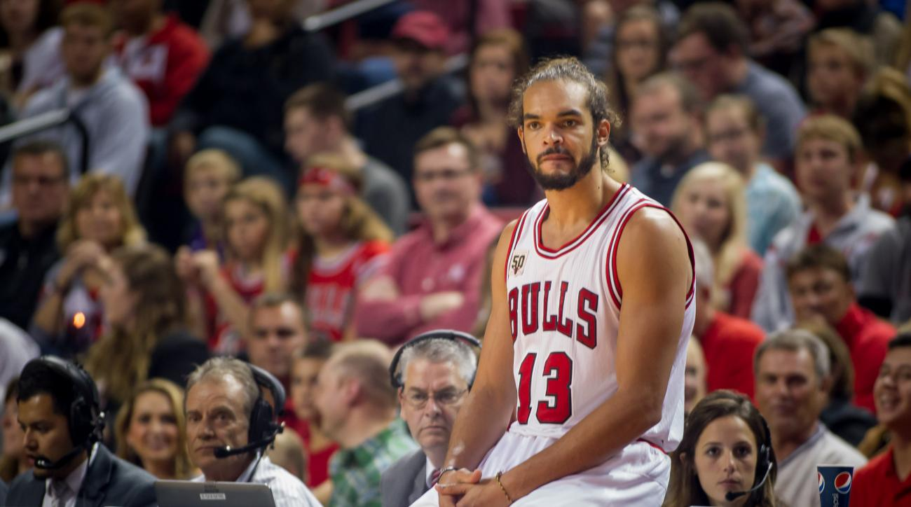 Chicago Bulls Joakim Noah Fred Hoiberg coming off bench