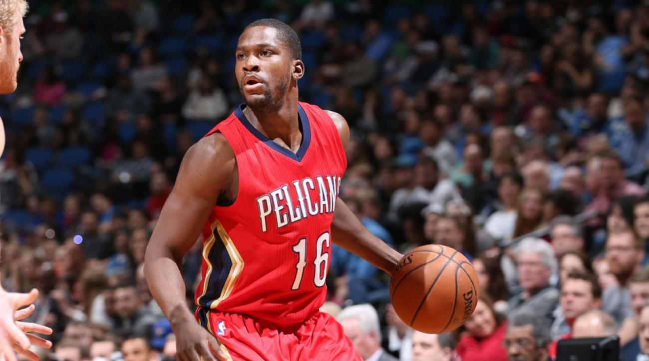 toney douglas signs new orleans pelicans
