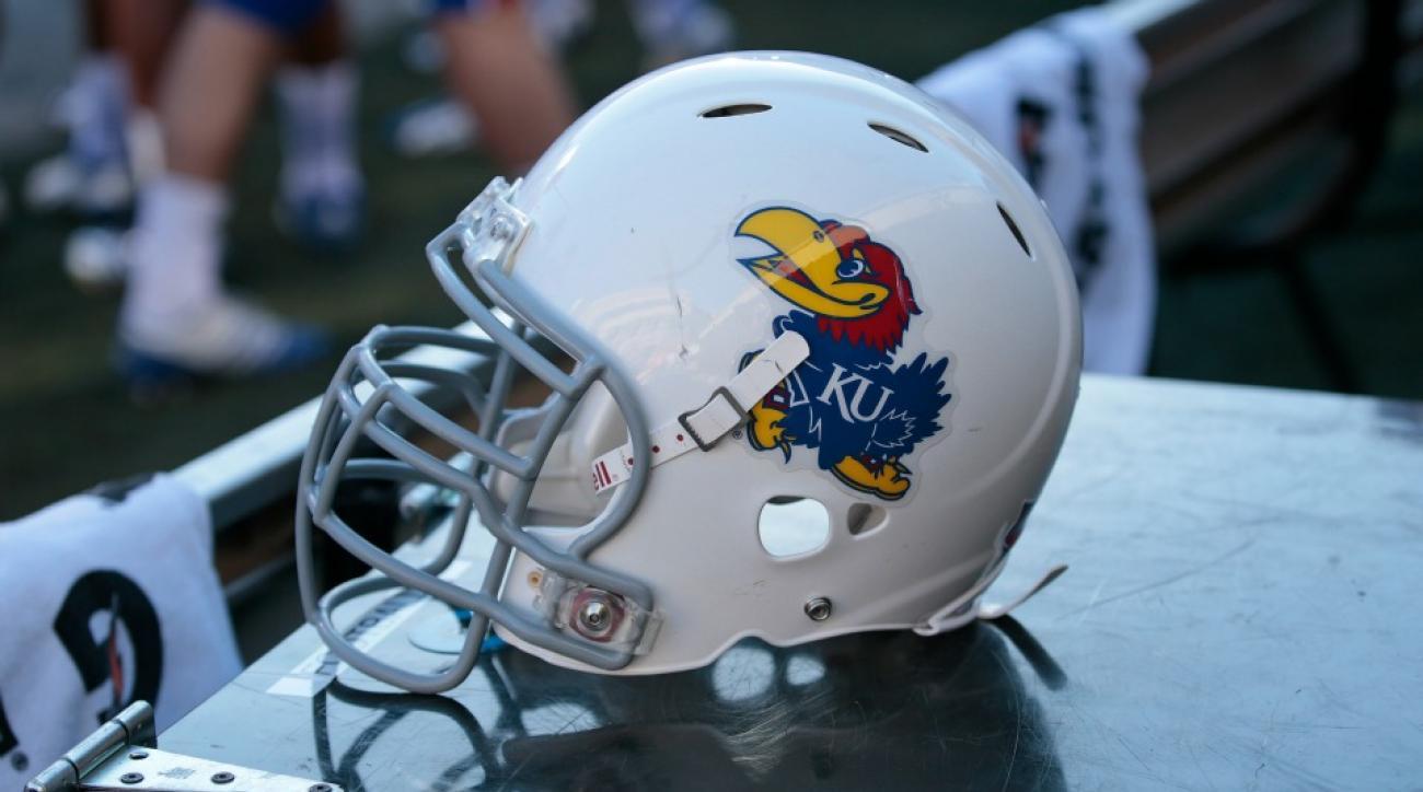 Kansas students tear down goalposts after Royals win World Series