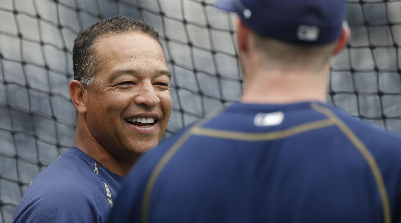 dave-roberts-san-diego-padres-los-angeles-dodgers-manager-rumors