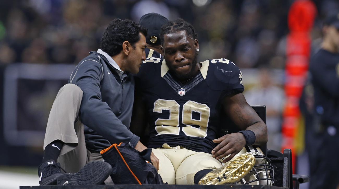 Report: Khiry Robinson sustained open fracture vs Giants