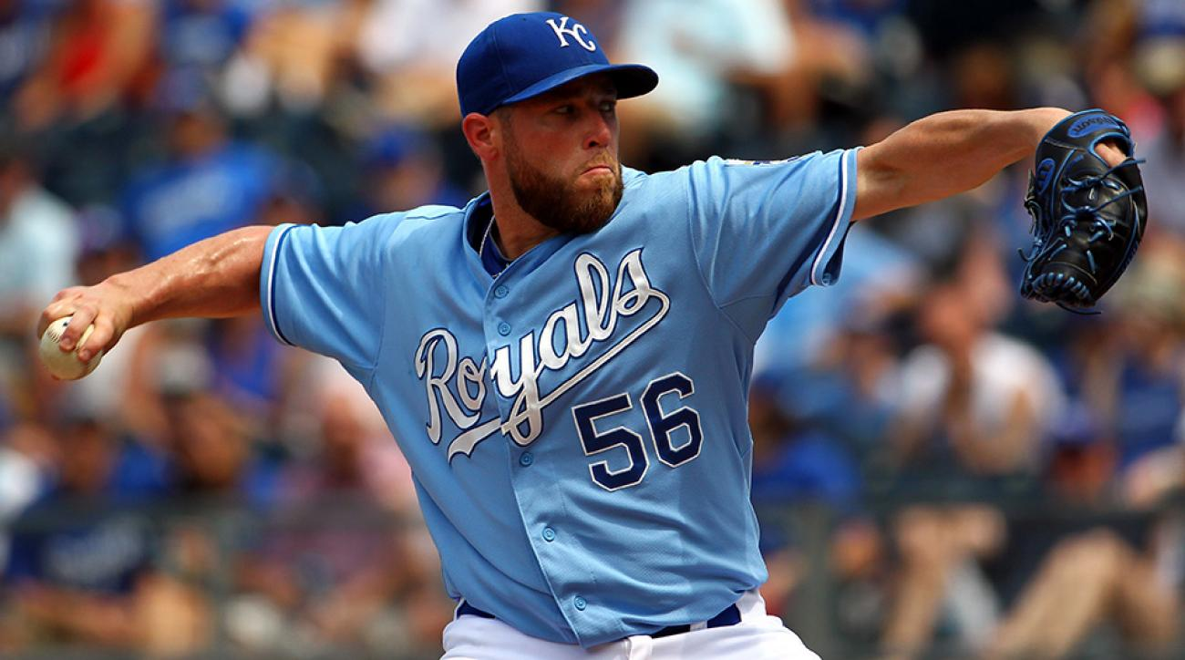 greg holland royals closer free agent contract non-tender
