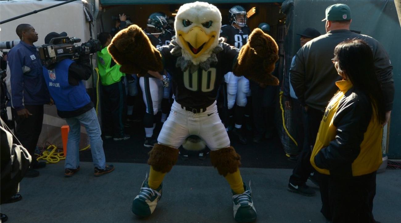 Philadelphia Eagles bring entrance tunnel to City Hall subway egress