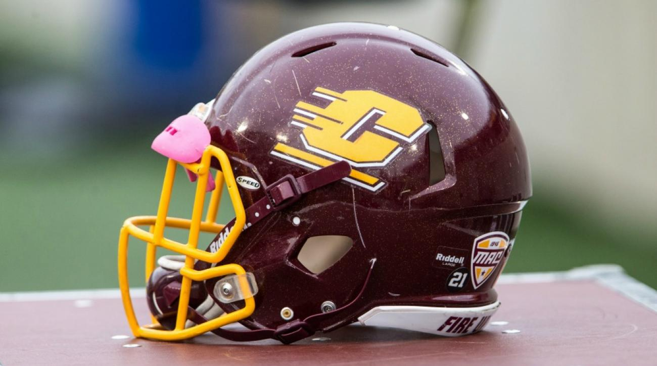 Central Michigan band, cheerleaders told to be quiet by ref