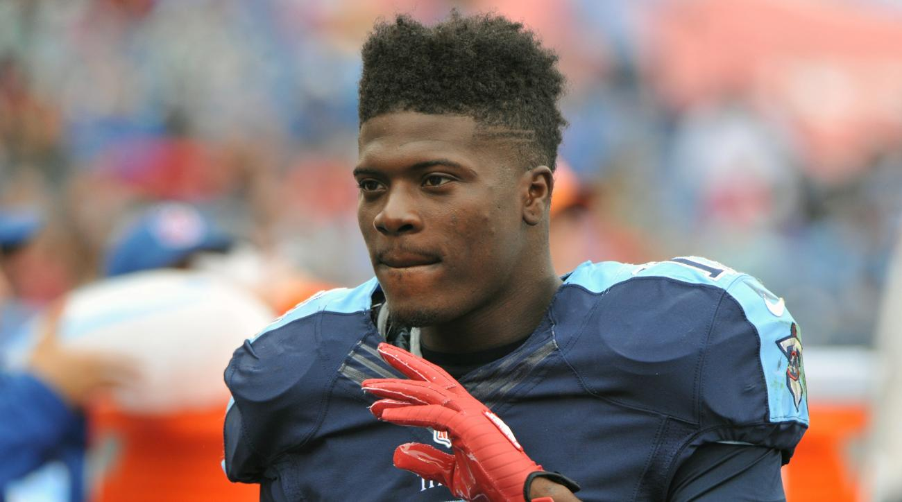 tennessee titans kendall wright out knee injury update vs panthers