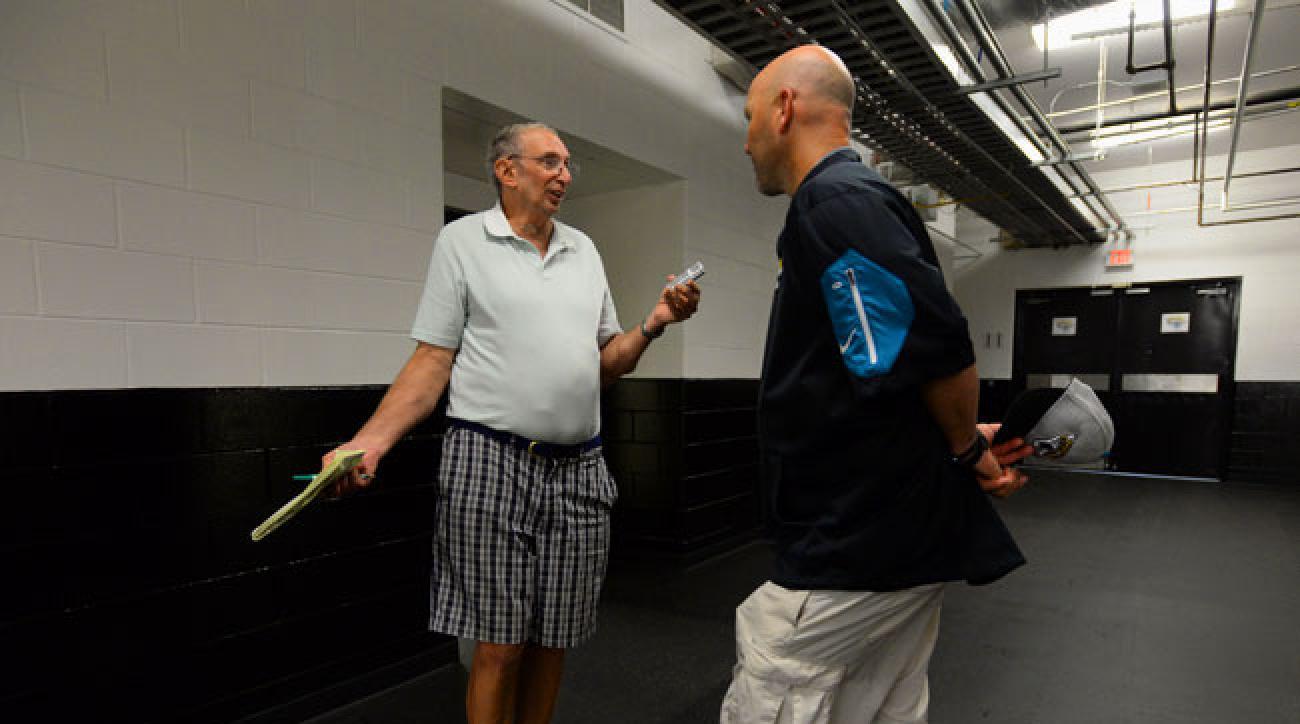 Jaguars beat writer Vito Stellino interviews Jacksonville coach Gus Bradley.