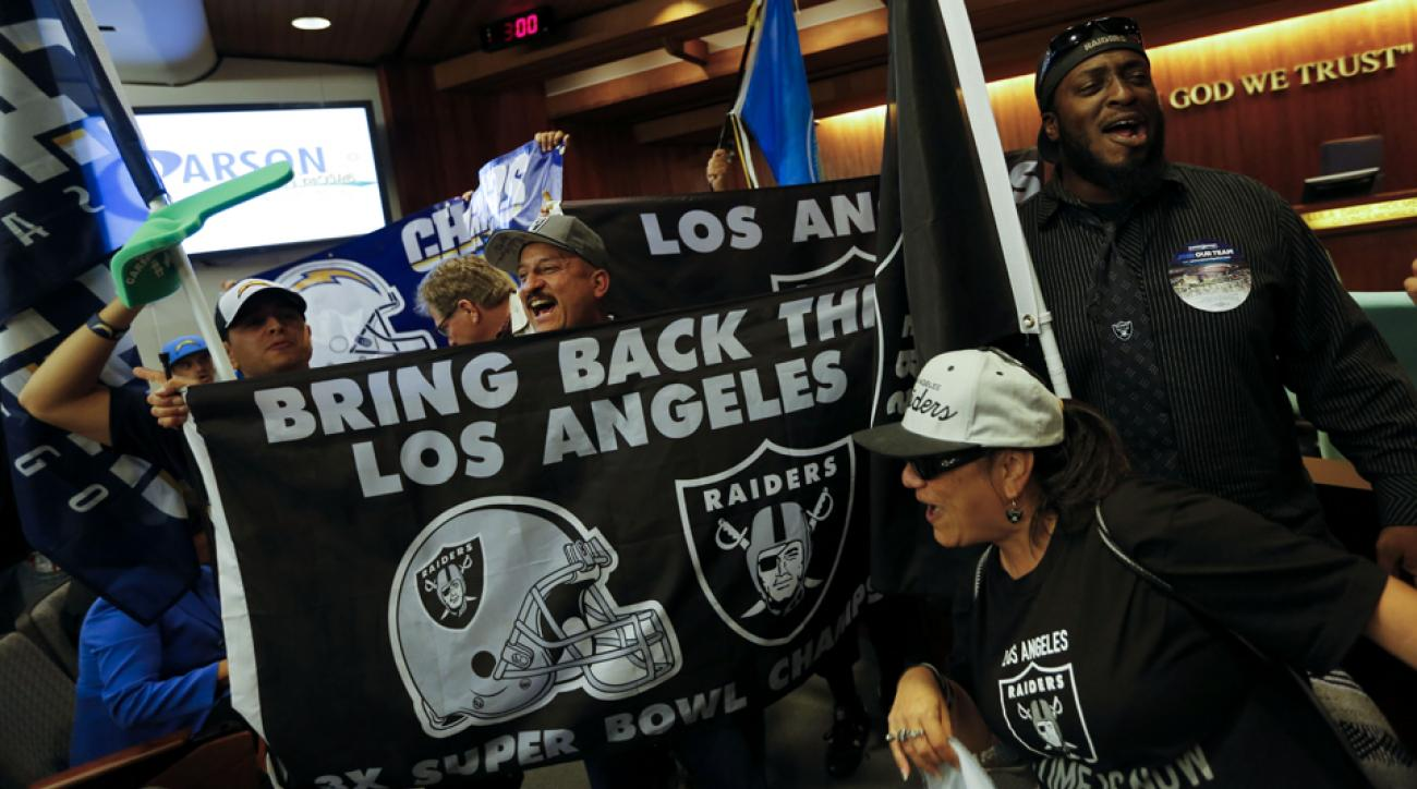 Raider and Chargers fans gathered to support the building of a stadium in Los Angeles that would house the two NFL franchises.