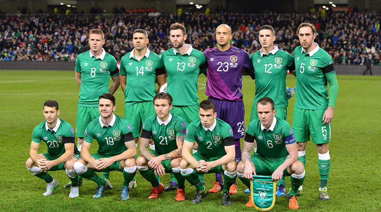 ireland-national-soccer-team-fan-sneak-dublin-bar