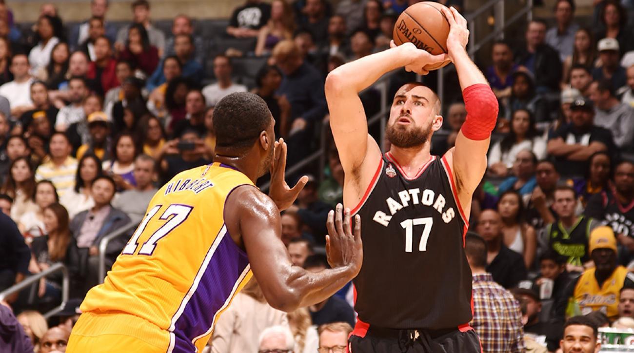 Jonas Valanciunas fractured hand Toronto Raptors Los Angeles Lakers