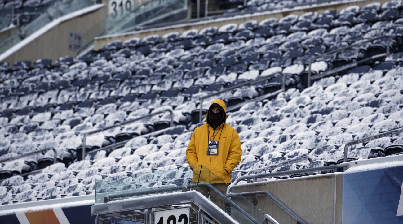 soldier field icy seats bears vs broncos