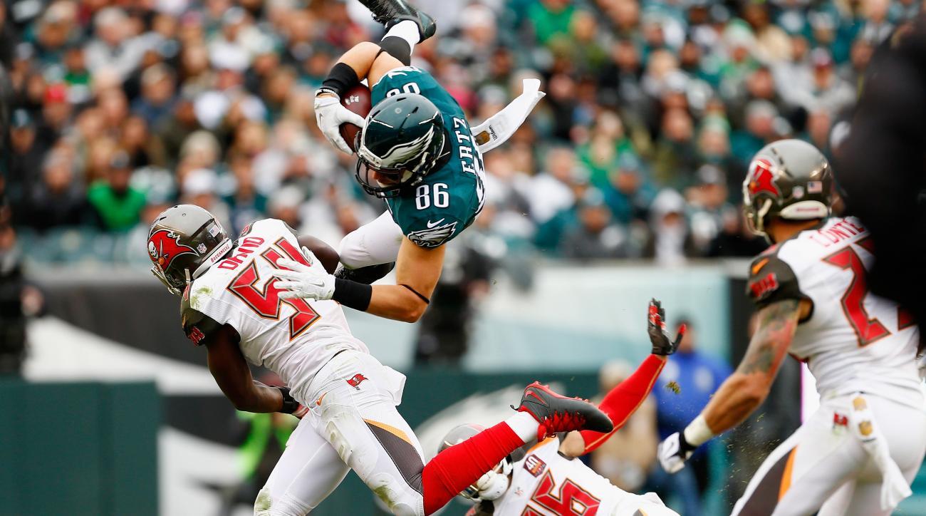 Eagles TE Zach Ertz sustains concussion