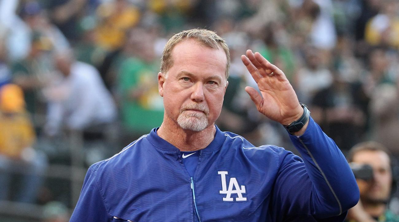 Mark McGwire expected to be Padres new bench coach