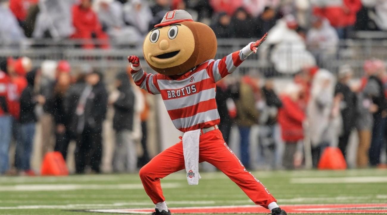 Michigan-Ohio State game leads to khakis being banned in Ohio