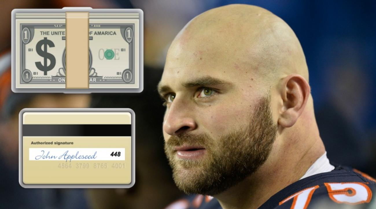 Chicago Bears Kyle Long gives tickets to garbage man