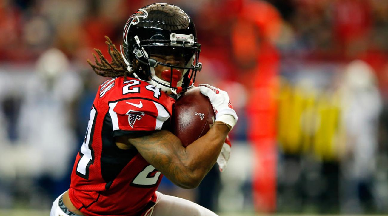 devonta freeman concussion atlanta falcons
