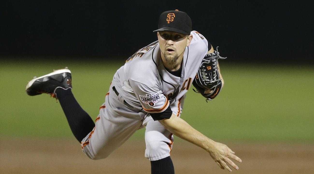 mike-leake-mlb-free-agency-signs-contract-deal