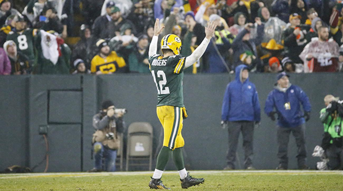 Aaron Rodgers celebrates touchdown versus Cowboys