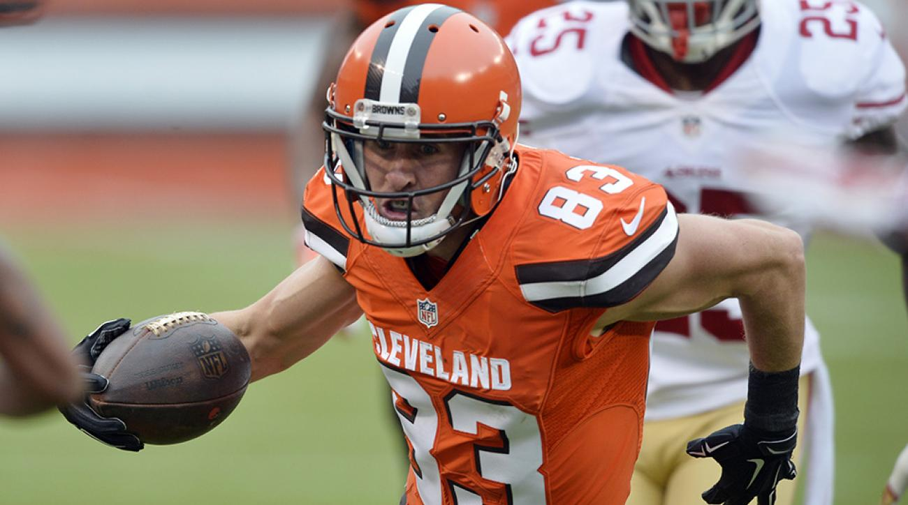 brian-hartline-injury-browns-broken-collarbone