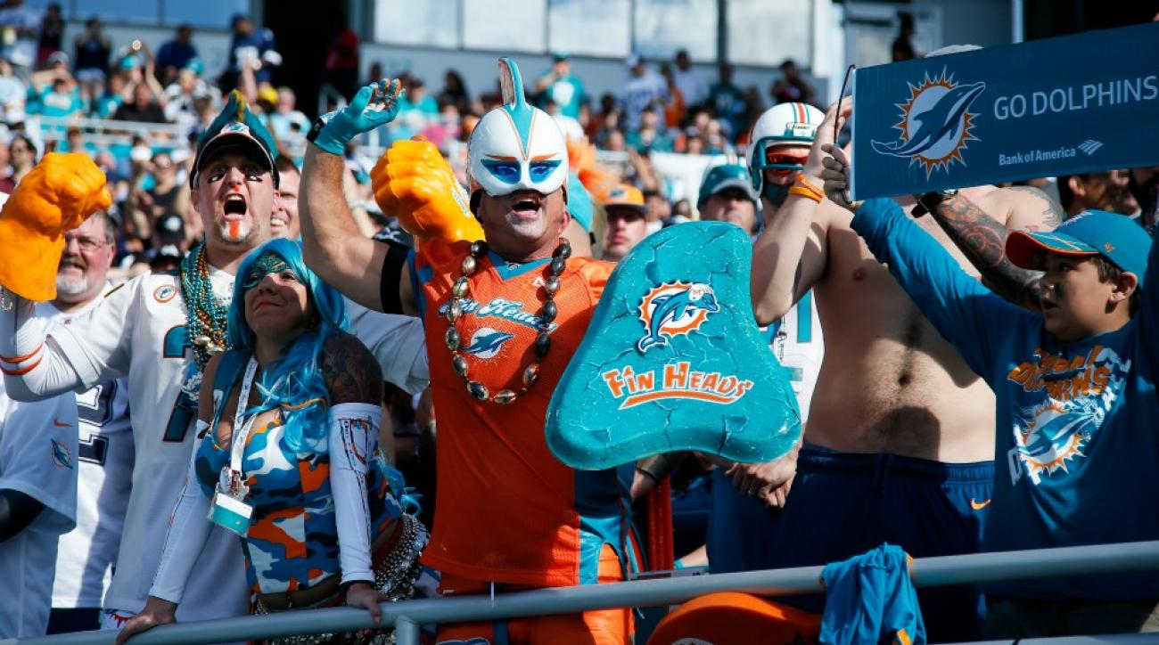 Miami Dolphins handing out white hankies