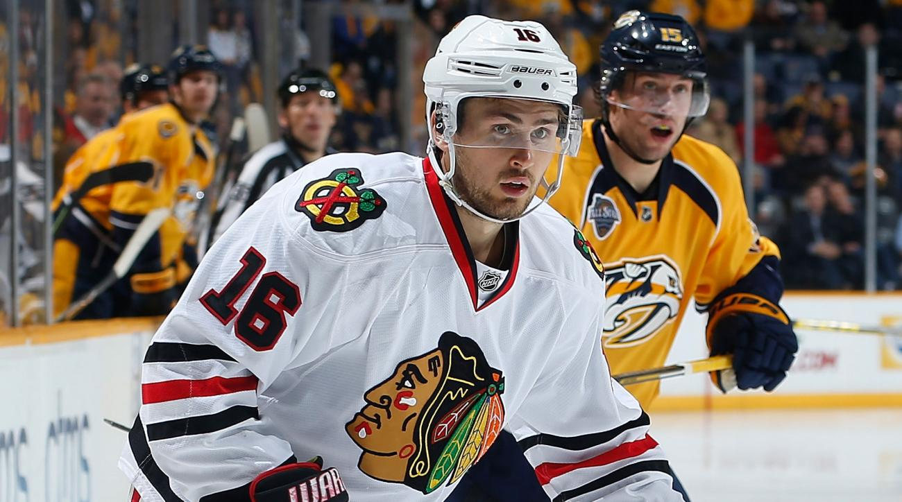 chicago blackhawks marcus kruger wrist injury