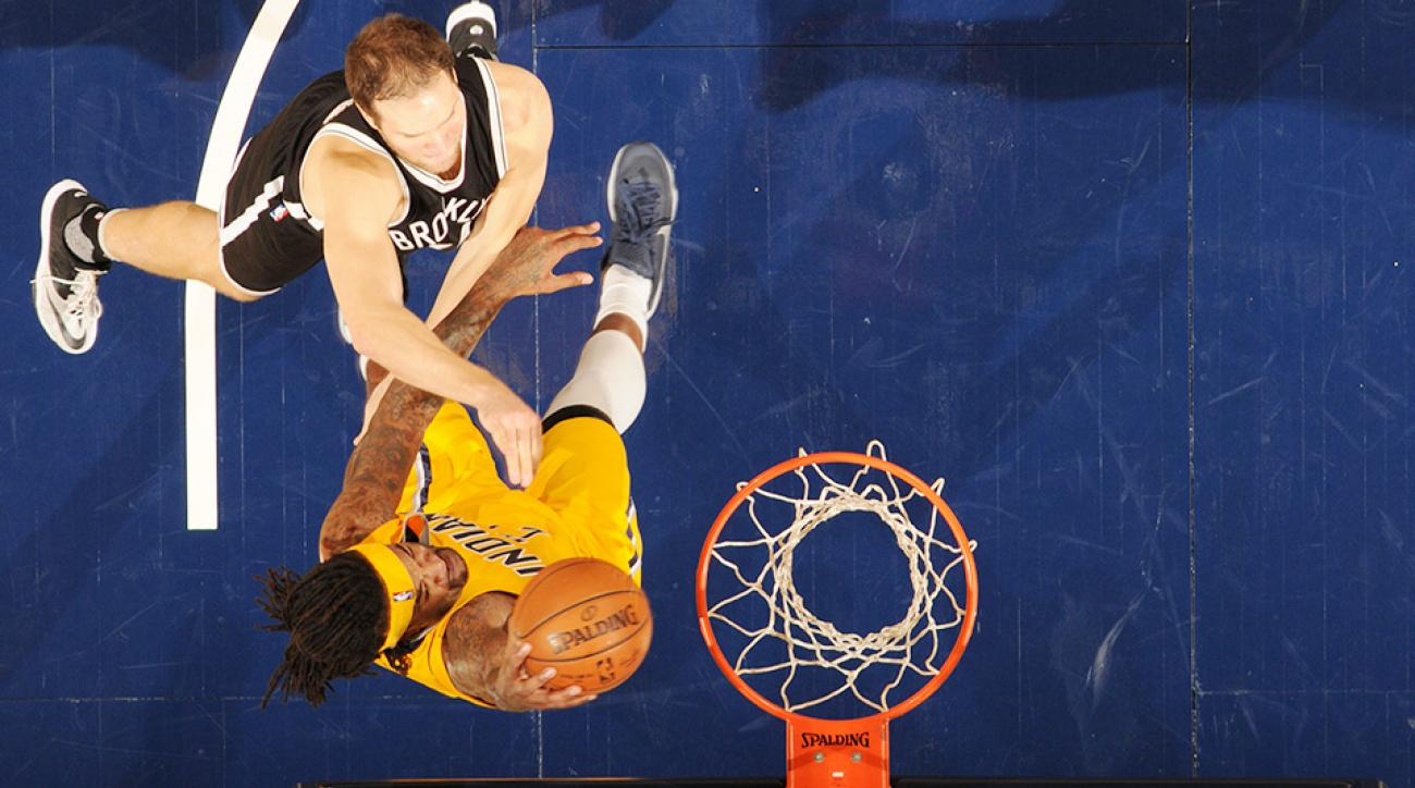 Jordan Hill Bojan Bogdanovic video dunk little kid