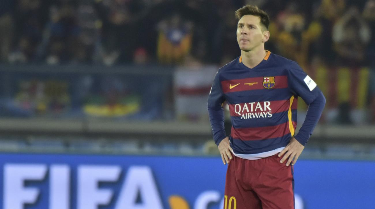 lionel messi river plate spitting fans airport incident