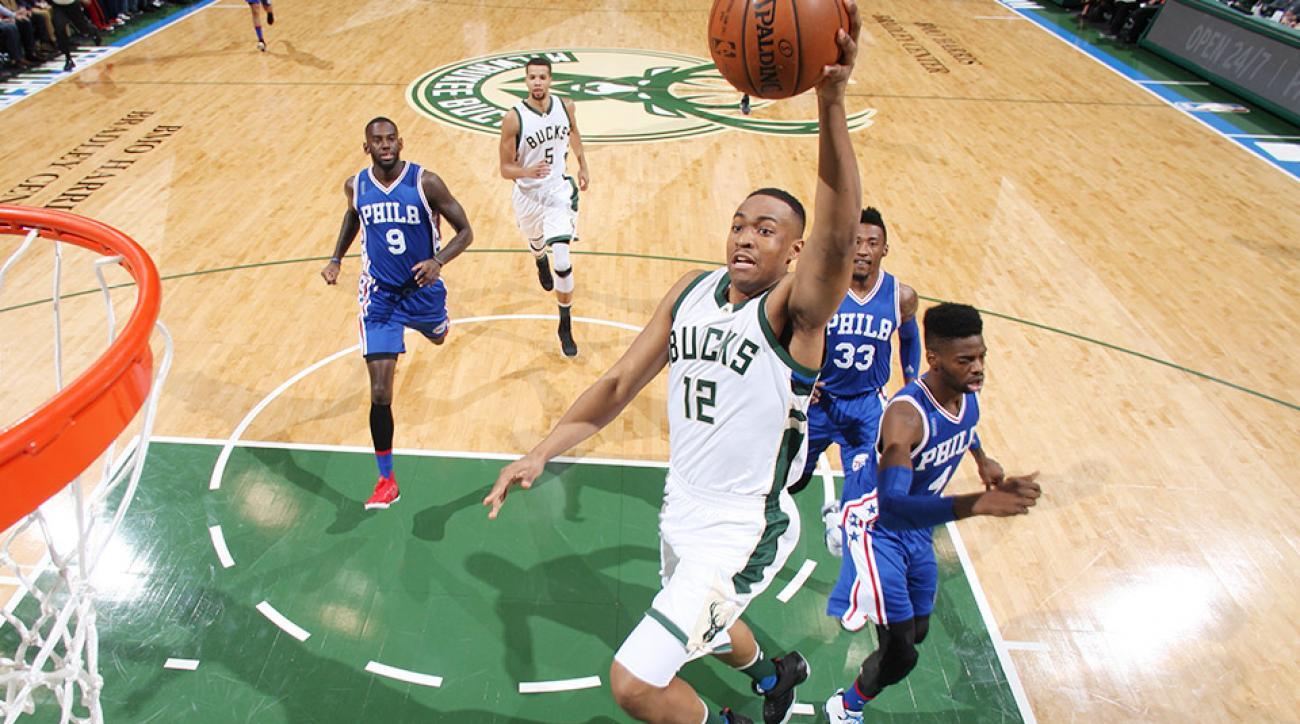 Jabari Parker dunk video Milwaukee Bucks Philadelphia Sixers